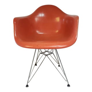 Mid Century Modern for Herman Miller Eames Fiberglass Molded Side Chair For Sale