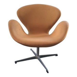 Modern Arne Jacobsen for Fritz Hansen Swan Chair For Sale