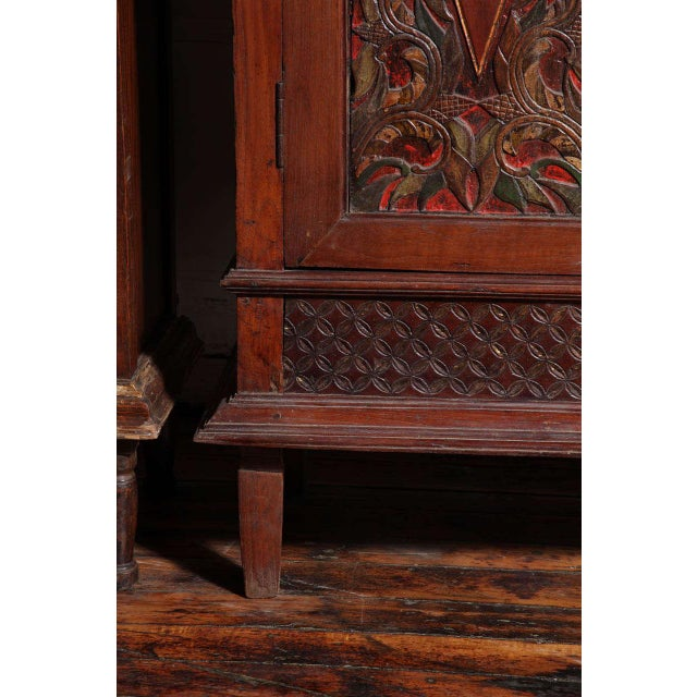 Antique Javanese Teakwood Cabinet with Detailed Carvings, Early 20th Century For Sale - Image 4 of 11