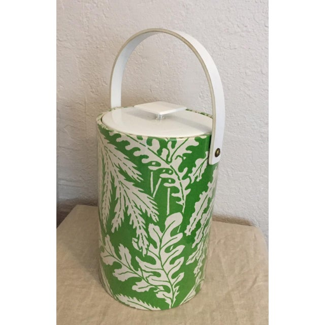 1970s Hollywood Regency Green and White Plastic Ice Bucket For Sale In Kansas City - Image 6 of 6
