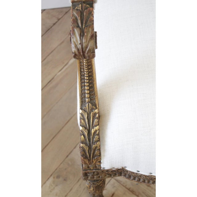 Mid 20th Century Antique Louis XVI Style Giltwood Settee in Linen For Sale - Image 5 of 13