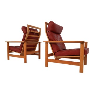 Set of 2 Danish Lounge Chairs in Oak and Leather by Søren Holst for Frederecia Furniture, 1976 For Sale