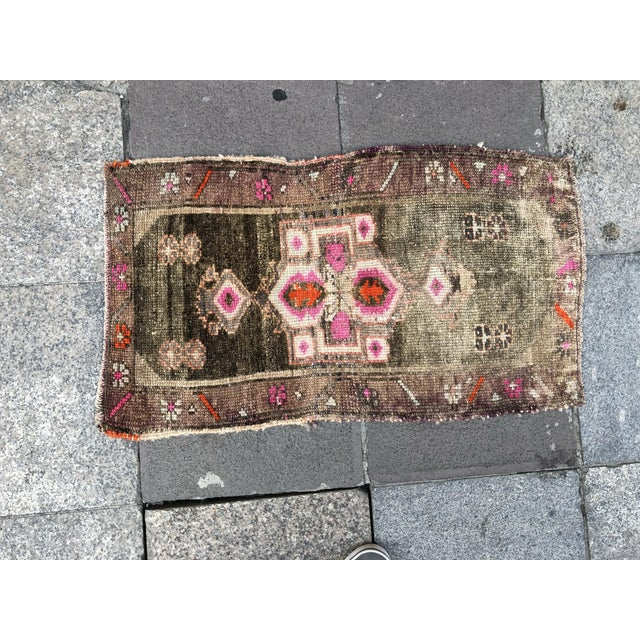 1960s Vintage Distressed Rug- 1′8″ × 2′10″ For Sale - Image 6 of 6