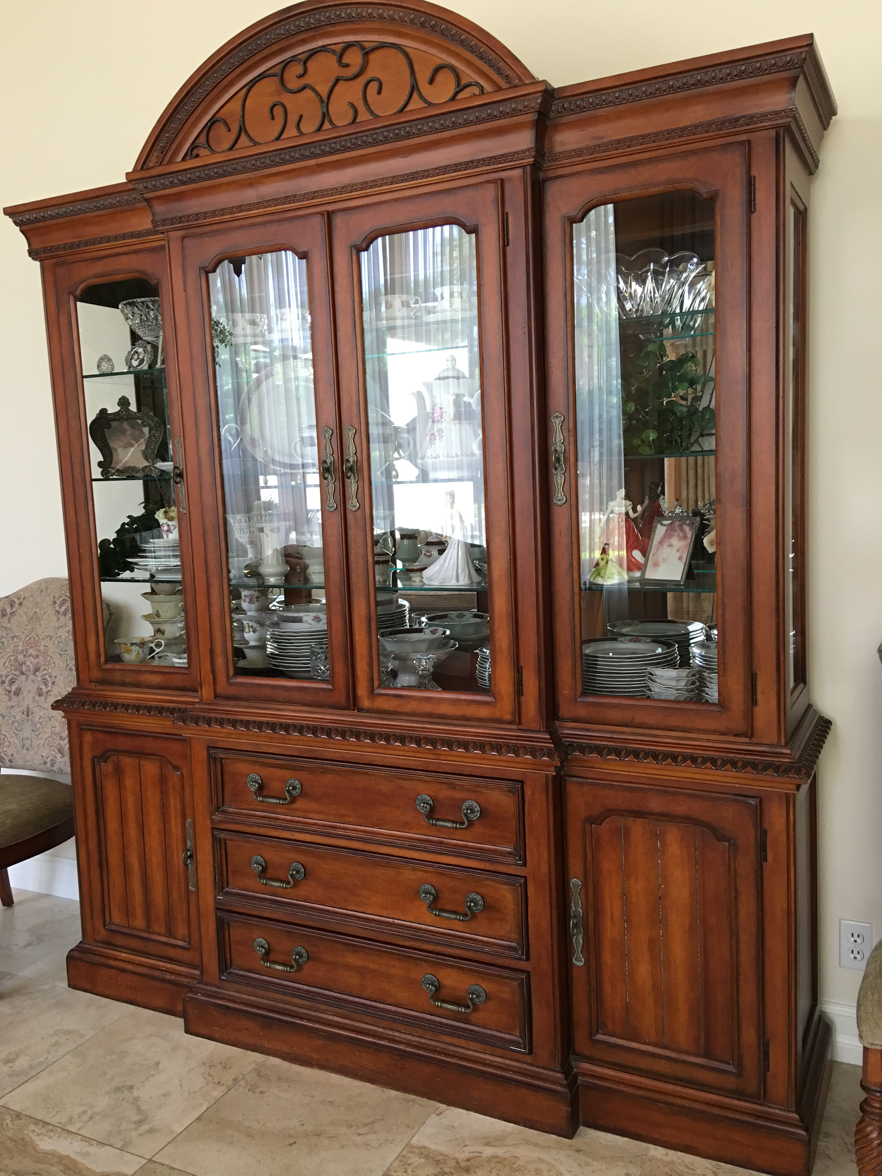 Hickory White Breakfront China Cabinet   Image 2 Of 11