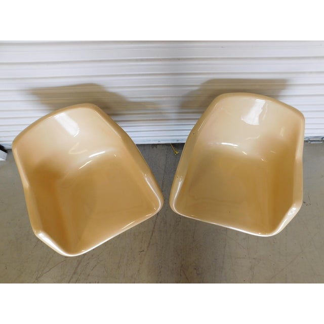 Mid-Century Saarinen Style Fiberglass Swivel Tulip Chairs - A Pair For Sale In Orlando - Image 6 of 11