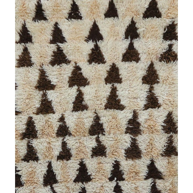 Boho Chic 1980s Vintage Azilal Moroccan Rug - 3′3″ × 5′10″ For Sale - Image 3 of 6