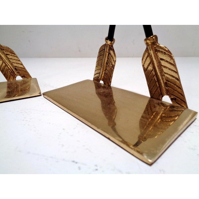 Maitland - Smith Vintage Lacquered Brass Arrow Maitland Smith Style Bookends For Sale - Image 4 of 9