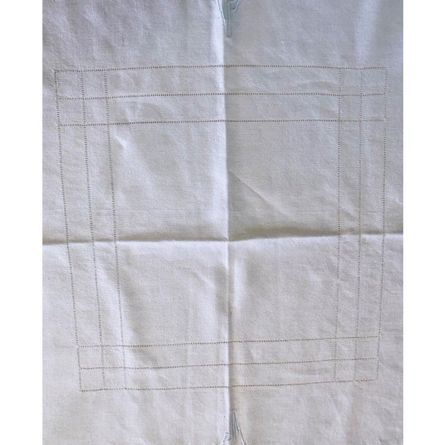 French Linen Tablecloth & Napkins - Set of 7 For Sale In San Francisco - Image 6 of 8