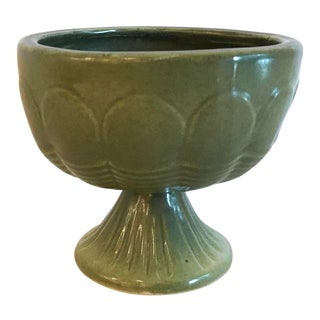 Mid-Century Modern Avocado Green Pedestal Planter For Sale