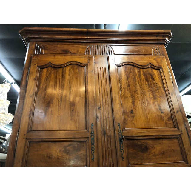 French 19th Century Louis XV Provincial Walnut Armoire For Sale - Image 3 of 9