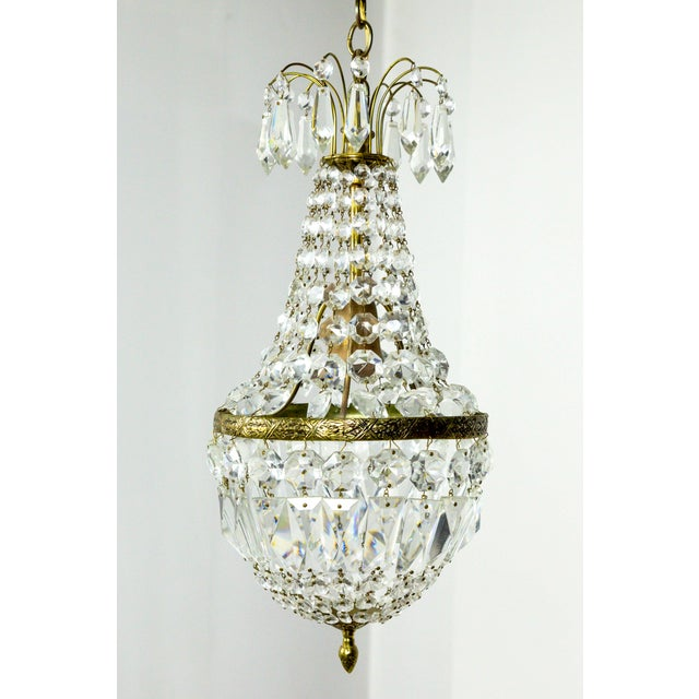 Petite Regency Style Crystal Tent and Bag Chandelier For Sale In San Francisco - Image 6 of 8