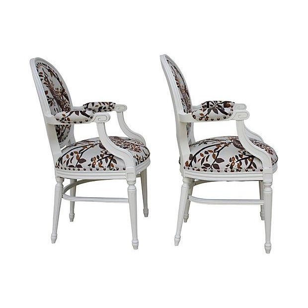Vintage White Peacock Chairs - A Pair - Image 3 of 9