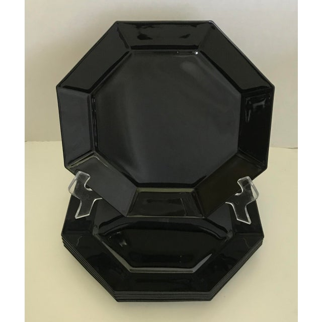 Here is a set of 5 perfectly modern Arcoroc black plates in a highly collectable octagonal shape. These are in perfect...