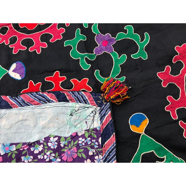Antique Red & Green Floral Pattern Suzani Textile - Image 6 of 6