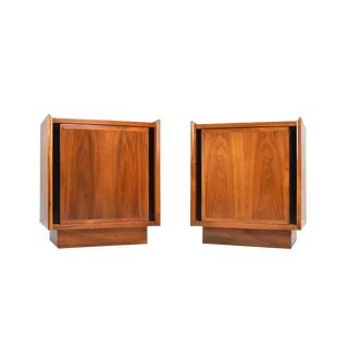 Mid-Century Nightstands by Dillingham - a Pair For Sale