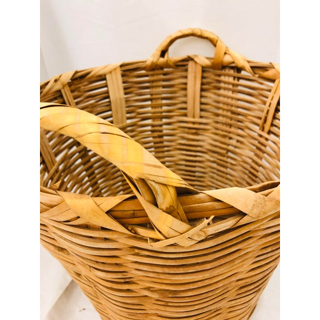 Early 20th Century Vintage Natural Woven Wicker Laundry Basket For Sale - Image 5 of 9