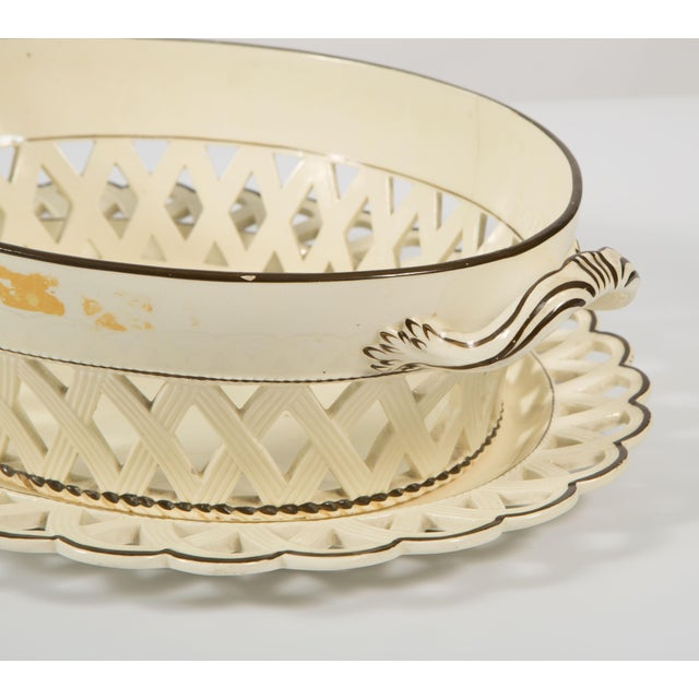 Ceramic English Creamware Bowl With Brown Rim With Underplate in Scallop Design 19th Century For Sale - Image 7 of 8