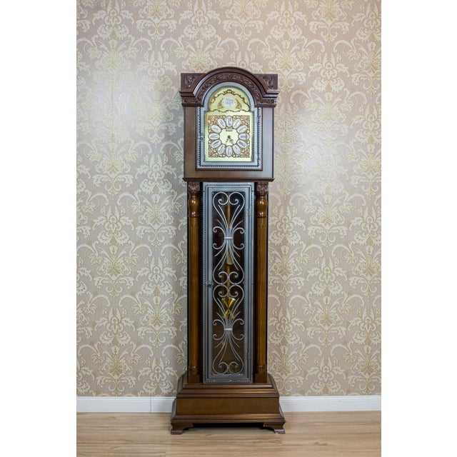 We present you this big, contemporary grandfather clock by the Tempus Fugit company, stylized as an antique item. The...