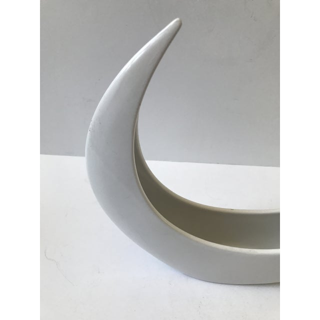 White Crescent Shaped Vessel - Image 5 of 8