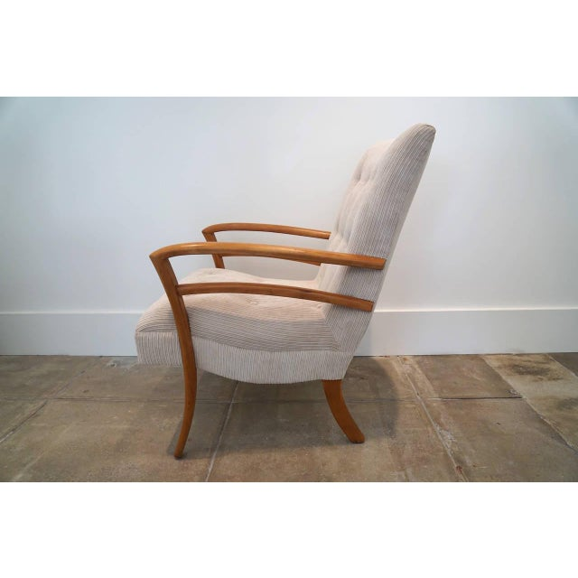 Mid-Century Modern American Sabre Leg Armchair For Sale - Image 3 of 5