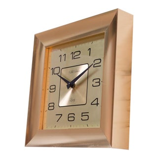 Vintage American New Haven Quartz Wall Clock For Sale