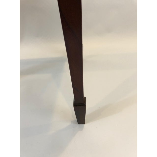 Wood 1980s Traditional Heckman Mahogany and Inlaid Tea Side Table For Sale - Image 7 of 13