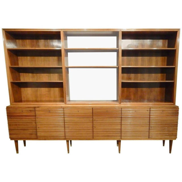 Italian Mid-Century Modern Walnut Bookcase Cabinet by Paolo Buffa For Sale - Image 11 of 11