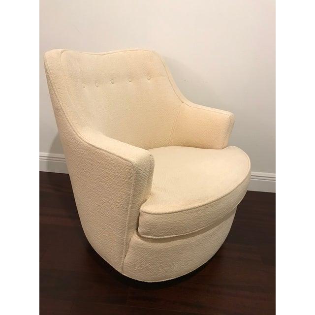"Mid-Century Modern Vintage Mid Century Modern Edward Wormley for Dunbar Swivel ""TV"" Chair For Sale - Image 3 of 7"