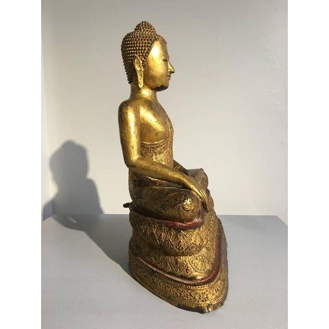 Early 19th Century Thai Rattanakosin Lacquered Gilt Bronze Image of Buddha Maravijaya For Sale - Image 5 of 10