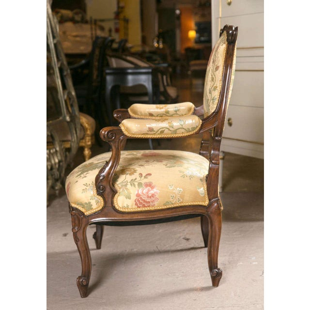 French Rococo Louis XV Style Armchairs - A Pair - Image 7 of 9