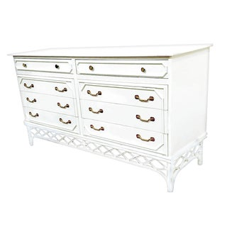 Ficks Reed White Gloss Lacquer Finish Chest of Drawers For Sale