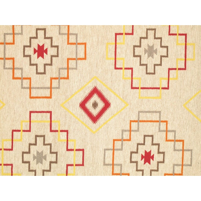 Here is an intriguing and decidedly modern Navajo style carpet - a Navajo kilim style that was hand-woven of top quality...