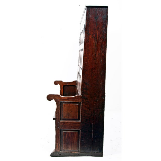 18th Century English Oak Bacon Settle For Sale In San Francisco - Image 6 of 11