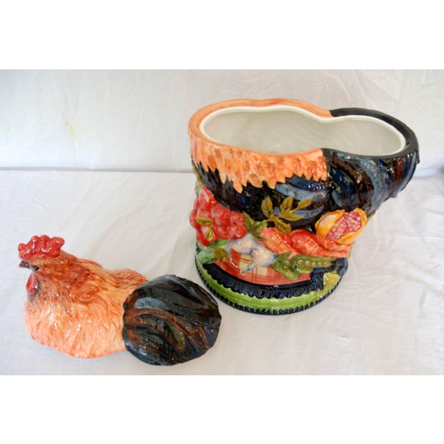 Ceramic 1990s Americana Tracy Porter Stonehouse Farm Collection Ceramic Rooster Cookie Jar For Sale - Image 7 of 9