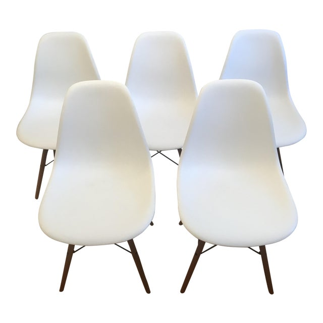 herman miller eames molded plastic dowel leg side chairs set of 5