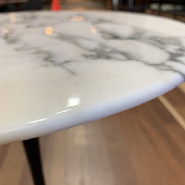 2010s Knoll Eero Saarinen Arabescato Marble Side Table For Sale - Image 5 of 9