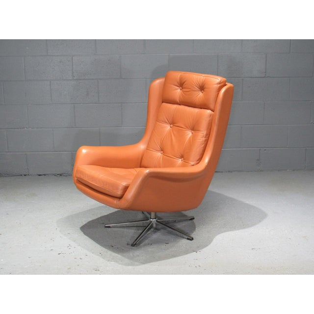 1970s Danish Modern Orange Leather High Back Swivel Armchair For Sale - Image 4 of 5
