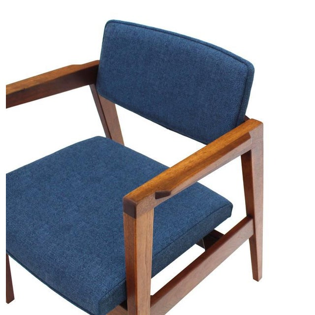 Set of 4 Solid Walnut Newly Upholstered Gunlocke Chairs For Sale In New York - Image 6 of 11
