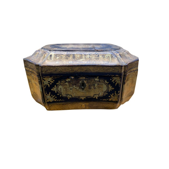 Early 20th Century Chinoiserie Black and Gilt Lacquered Box For Sale - Image 9 of 9