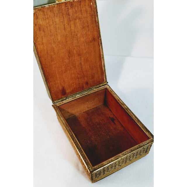 Early 20th Century 20th Century Chinese Jade Velvet Trinket Jewelry Box For Sale - Image 5 of 10