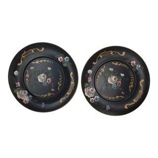Vintage Italian Handpainted Round Metal Toleware Wall Hanging Platters - a Pair For Sale