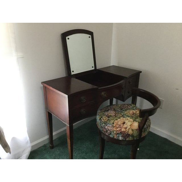 American 1960s Vintage Dressing Table and Stool For Sale - Image 3 of 12