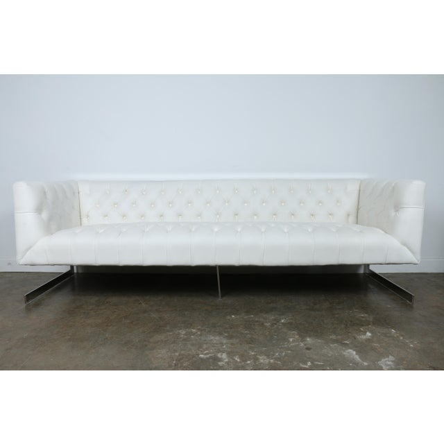 Modern Style White Chesterfield Sofa - Image 2 of 10
