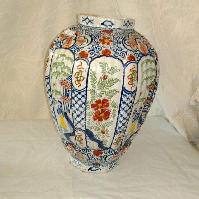 Traditional Delft Lidded Ginger Jar For Sale - Image 3 of 12