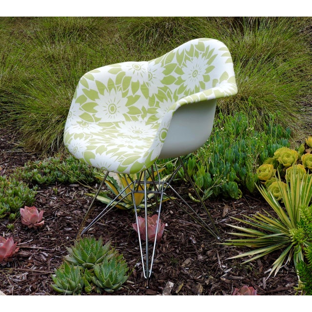 Metal Mid-Century Modern Eames Reproduction Green and White Flower Power Fabric Side Chair For Sale - Image 7 of 10