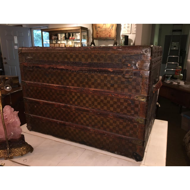Mid-Century Modern Early 1900s Moynat Damier Pattern Steamer Trunk For Sale - Image 3 of 7