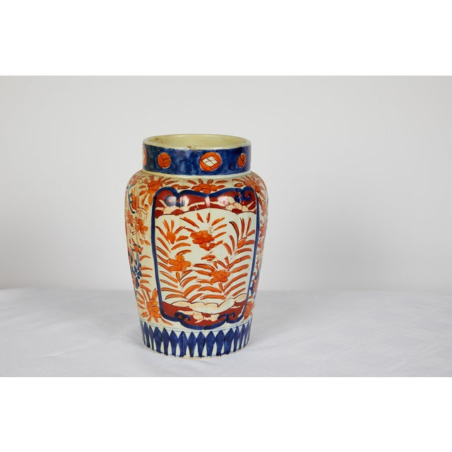 Early 20th Century Early 20th Century Japanese Imari Vase For Sale - Image 5 of 12