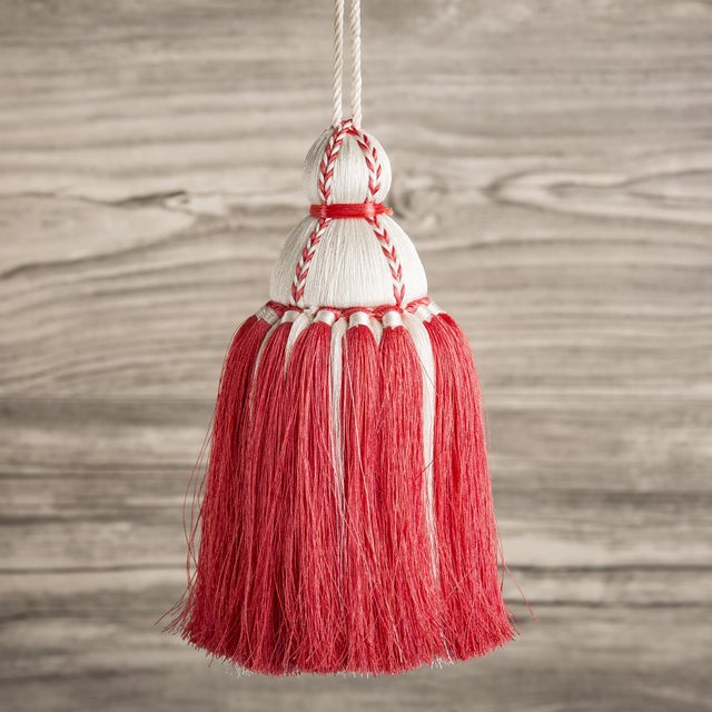 White & Coral Tassel, Medium For Sale - Image 4 of 4