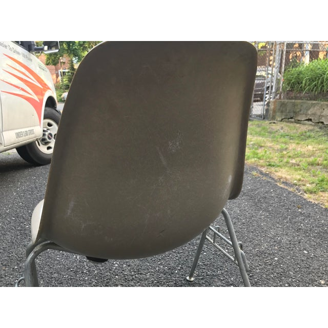Vintage Eames Fiberglass Stackable Chairs - Set of 8 For Sale - Image 5 of 5