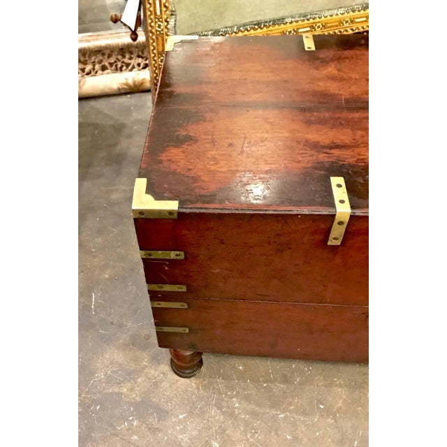 Early 19th Century Early 19th Century English Mahogany Footed Campaign Chest or Trunk For Sale - Image 5 of 7